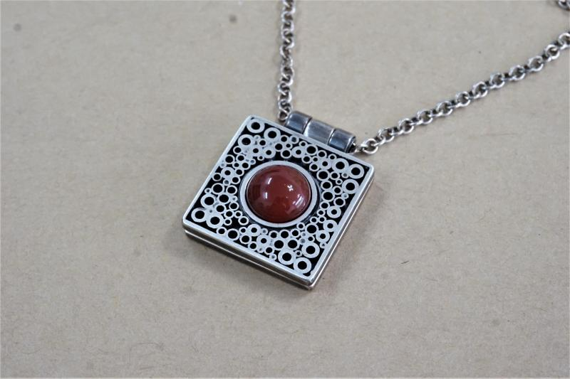 사랑의 The Foldable Pendant